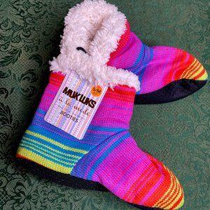 NWT 5 6 7 rainbow pride muk luks ladies slippers